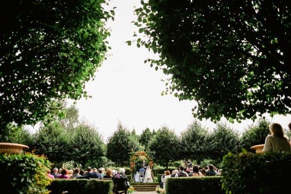 Vibrant-Quirky-Irish-Wedding-The-Lous-25-600x400