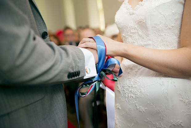 hand-fasting-wedding-ceremony-irish-wedding-traditions